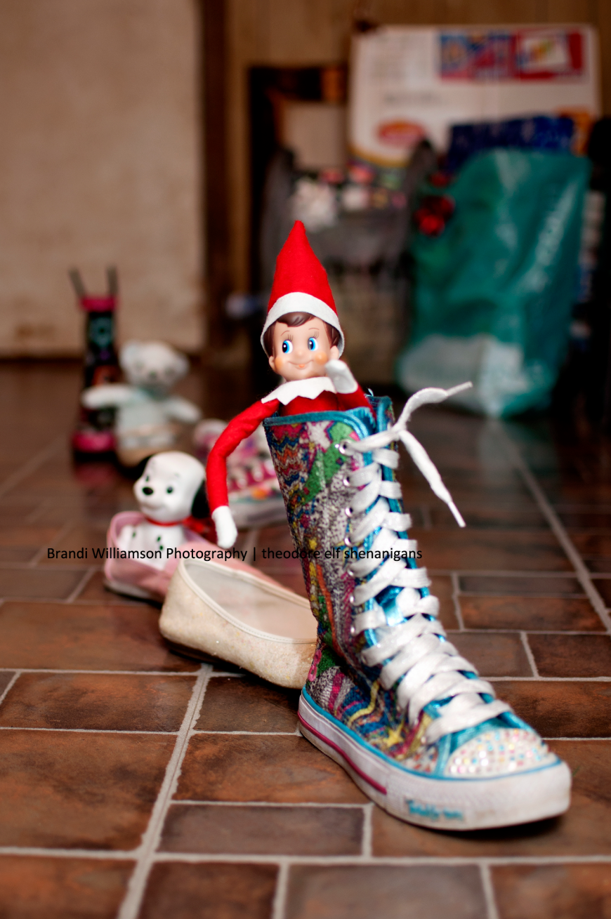 © Brandi Williamson Photography | elf on the shelf