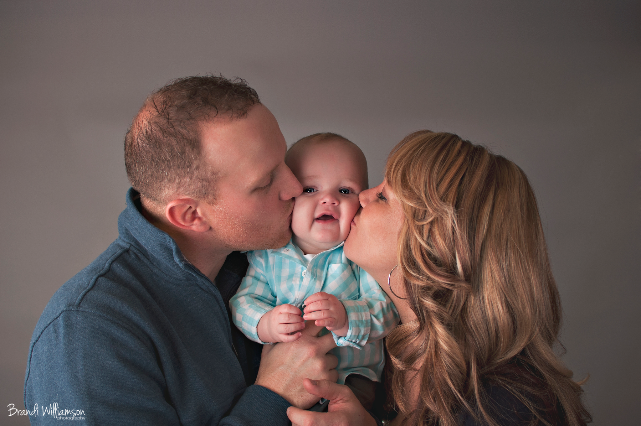 © Brandi Williamson Photography | 6 month old & family