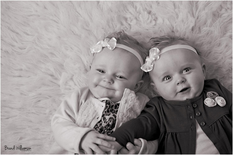 Прикол картинка близнецы, открытки наступающим новым