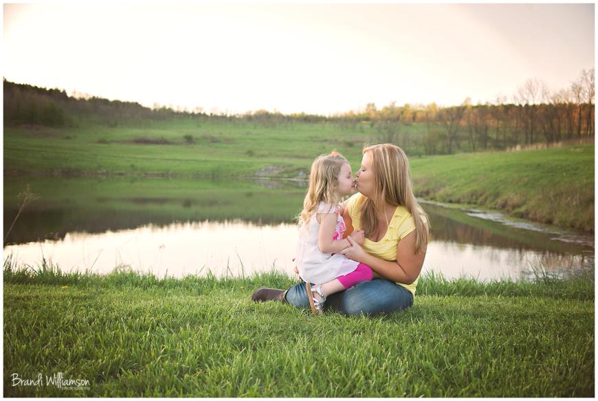 © Brandi Williamson Photography | mom & daughter | spring