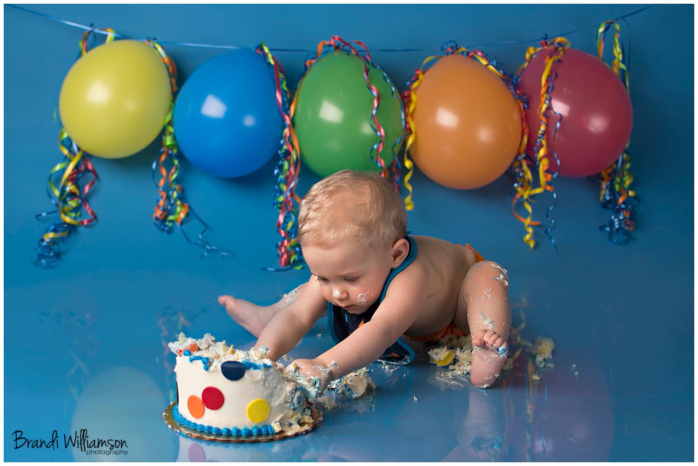 Dover, New Philadelphia OH 1st birthday smash cake photographer | ben is1!