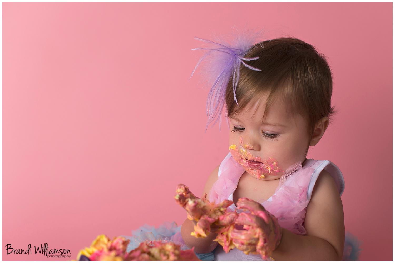 Dover, New Philadelphia OH smash cake 1st birthday photographer | lucy turns1!