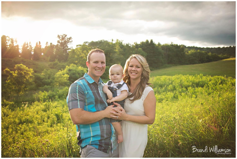 © Brandi Williamson Photography   Dover, New Philadelphia OH 1st birthday + family photographer