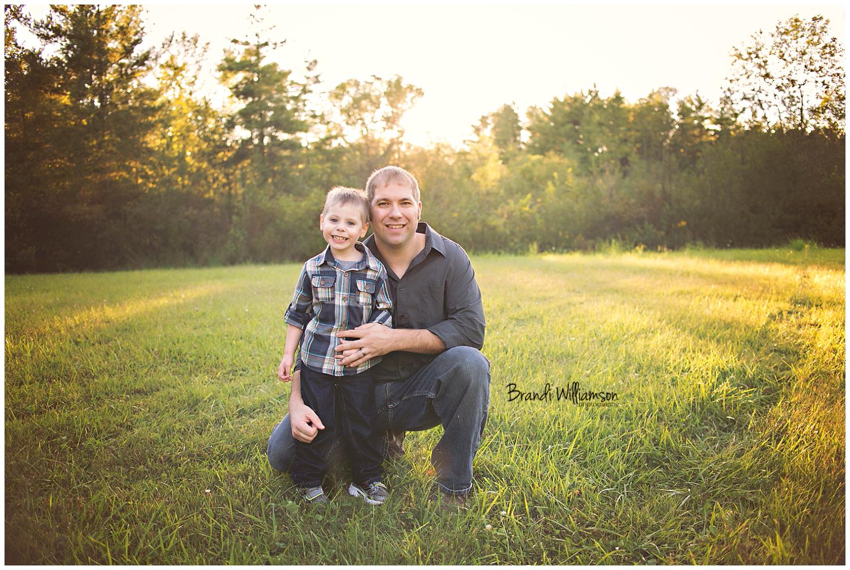 © Brandi Williamson Photography | Dover, New Philadelphia OH family photographer | www.brandiwilliamsonphotography.com