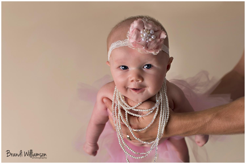 © Brandi Williamson Photography | Dover, New Philadelphia OH baby photographer | www.brandiwilliamsonphotography.com