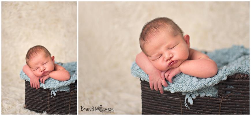 © Brandi Williamson Photography | Dover, New Philadelphia OH newborn, sibling + family photographer | www.brandiwilliamsonphotography.com