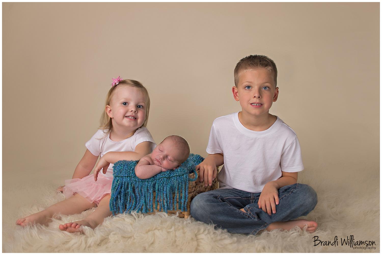 Dover, New Philadelphia OH newborn photographer | 6 days newliam
