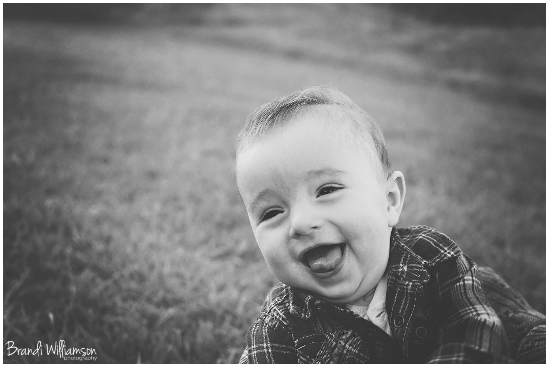 © Brandi Williamson Photography   Dover, New Philadelphia OH baby + family photographer   www.brandiwilliamsonphotography.com
