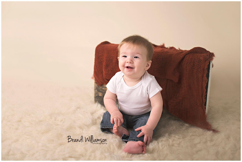 Dover, New Philadelphia Ohio baby photographer | 6 months | © Brandi Williamson Photography