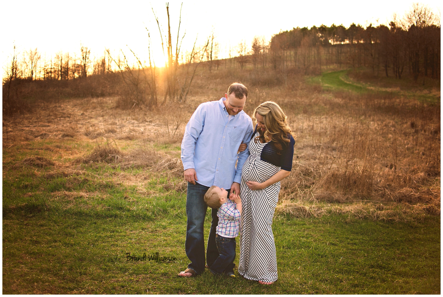 Dover, New Philadelphia, Green, Canton Ohio maternity and newborn photographer