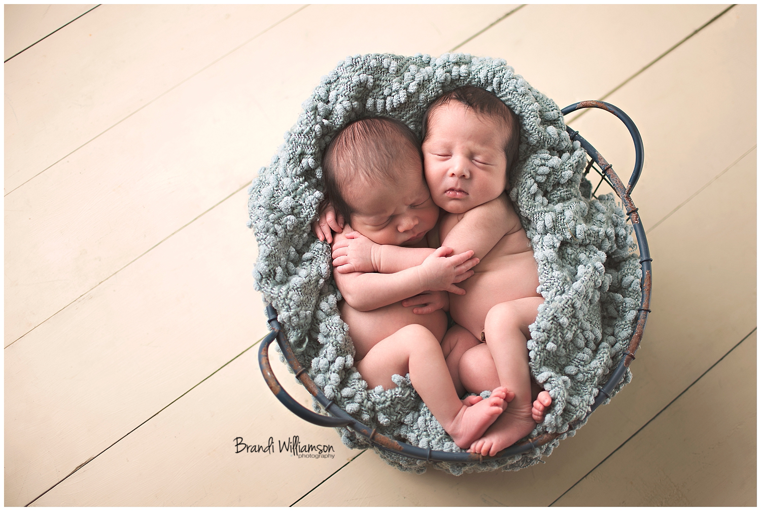 Dover, New Philadelphia, Green, Canton OH newborn and twin baby photographer