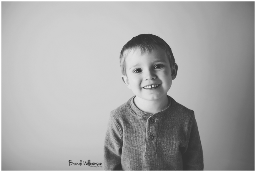 Akron Ohio childrens photographer | 2 year old milestone session | Tuscarawas County Stark County Ohio | www.brandiwilliamsonphotography.com